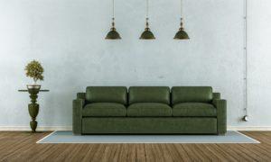 Veganes Leder - Couch im Wohnzimmer einer Ferienwohnung