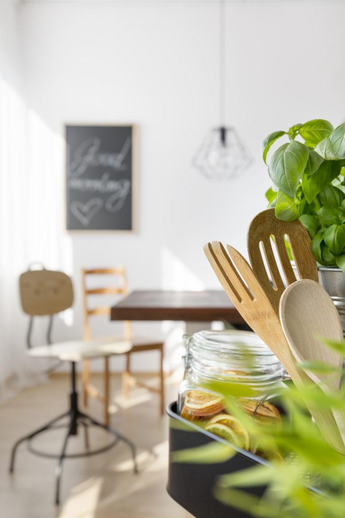 Ferienwohnung einrichten, nachhaltige Küche